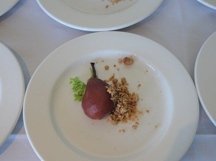 Elizabethan pear