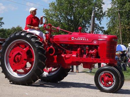 Tractors (12)RS