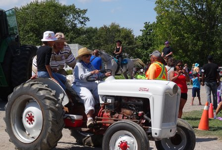 Tractors (4)croppedRS