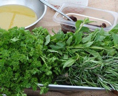 Vinaigrette, rosemary, mint and parsley